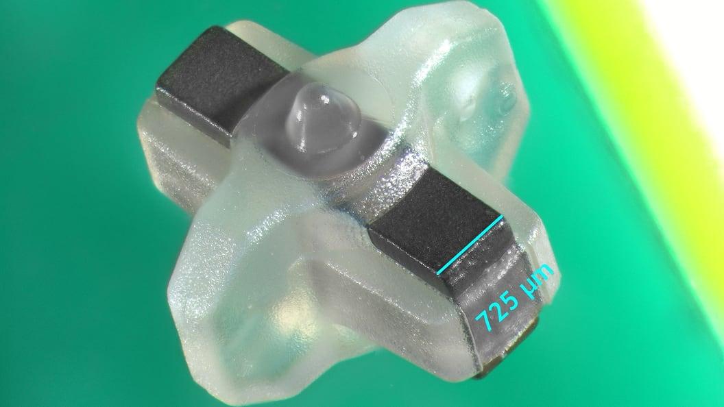 Das Herzstück der 0,028 Gramm wiegenden Mikroturbine (4 x 4 x 3 mm) ist ein Magnet.