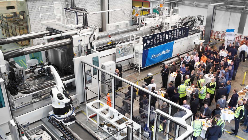 Inbetriebnahme der MXH 3200 – 101.000/101.000 von KraussMaffei bei GF Piping Systems