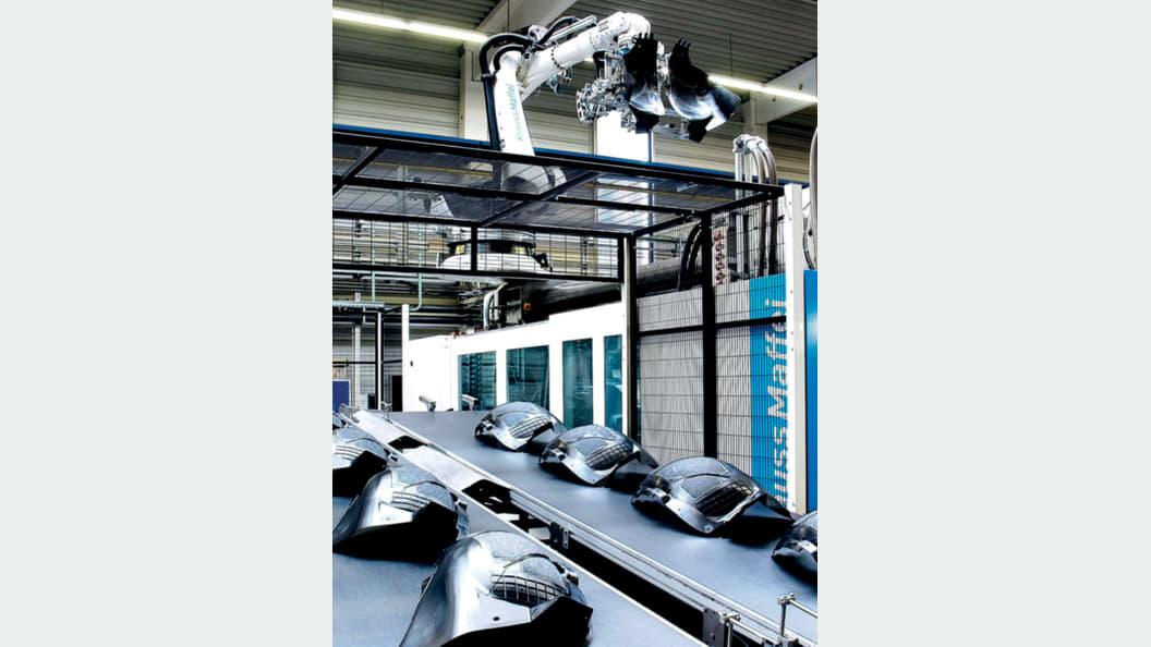 First-Class-Bauteile für den Fahrzeugbau: NIFCO KTW setzt auf die Maschinenfunktion APC.