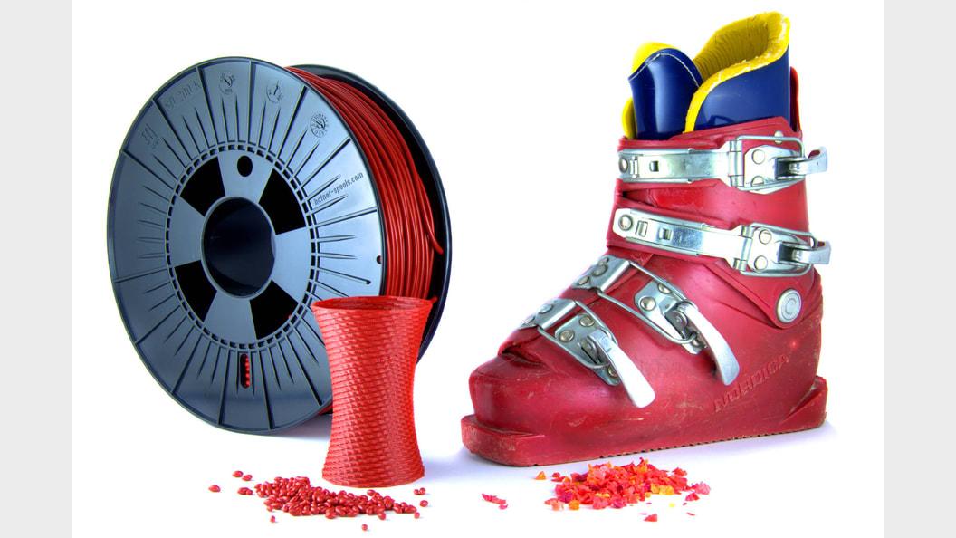 Filament aus dem 3D-Drucker aus 100% recyclierten Skischuhen