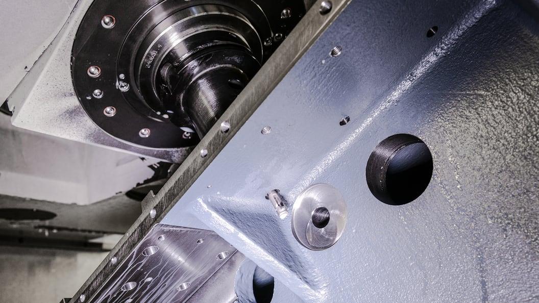 Das BSF-Rückwärtsplansenkwerkzeug macht das Umspannen des Werkstücks überflüssig.