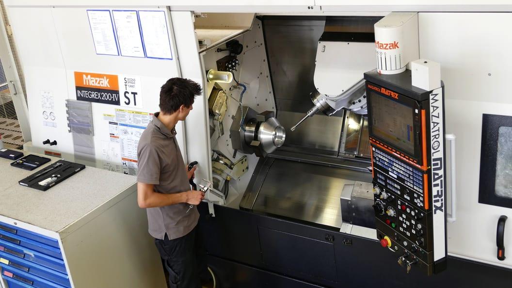 Bearbeitung des Aluminiumstücks
