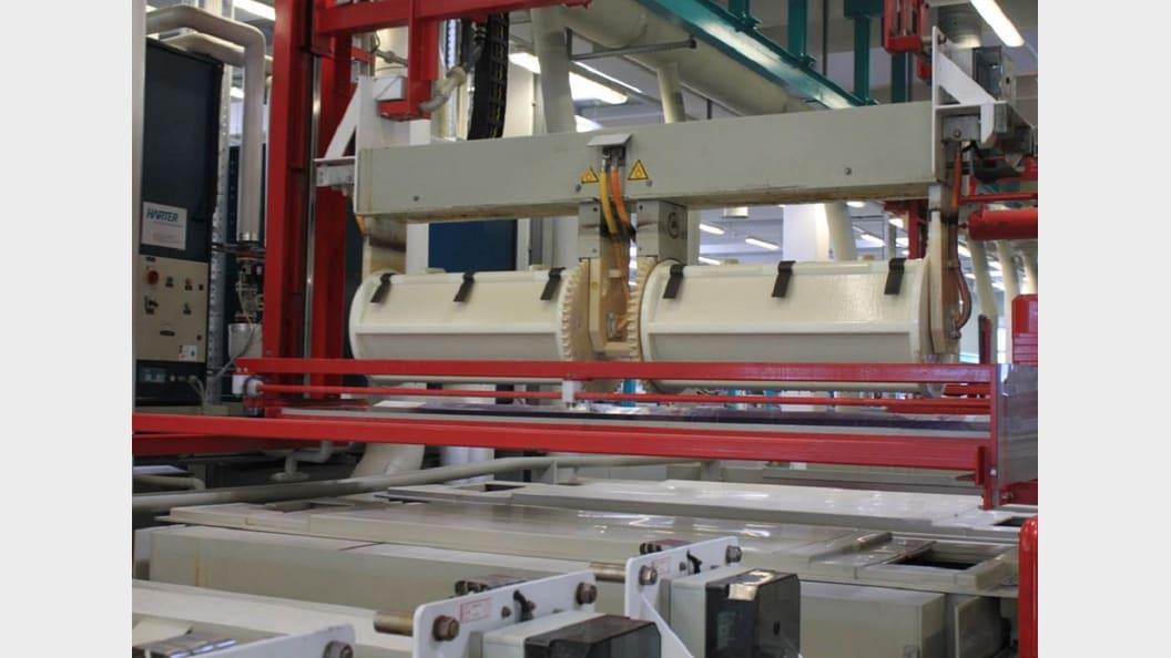 Reliable in-barrel drying of bulk material