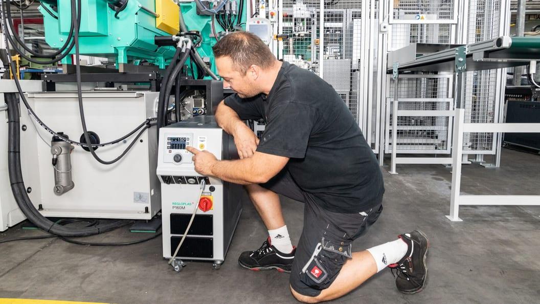 Das Temperiergerät P160M lässt sich komfortabel bedienen.