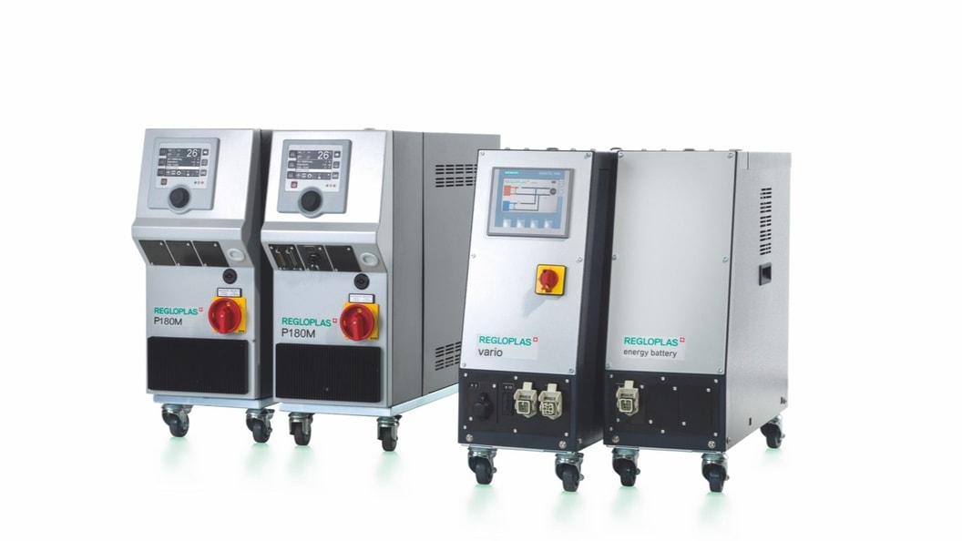 Fig. 1: One P180M each for heating and cooling, the Vario switching unit plus energyBattery