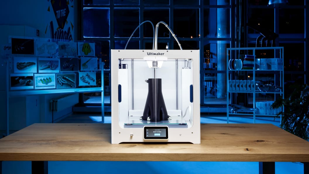 Create appealing visual and functional prototypes with the Ultiamker S5