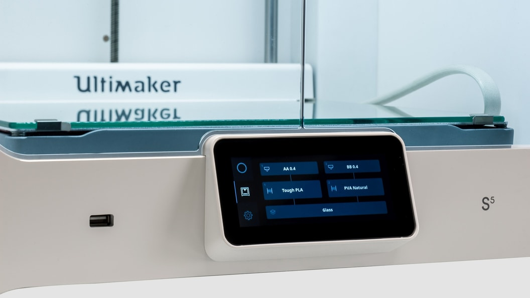 Everything under control: Touch display of the Ultimaker S5