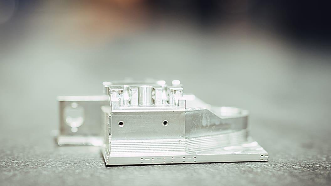 Topresultate beim Gewindeschneiden (D 2mm/Tiefe 3,5 mm x D).