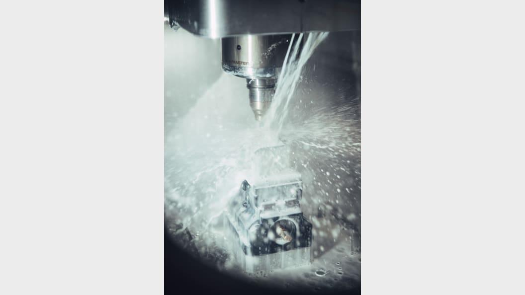 Stark verbesserte Maschinensauberkeit, klare Scheiben, reduzierter KSS-Austrag auf Teilen.