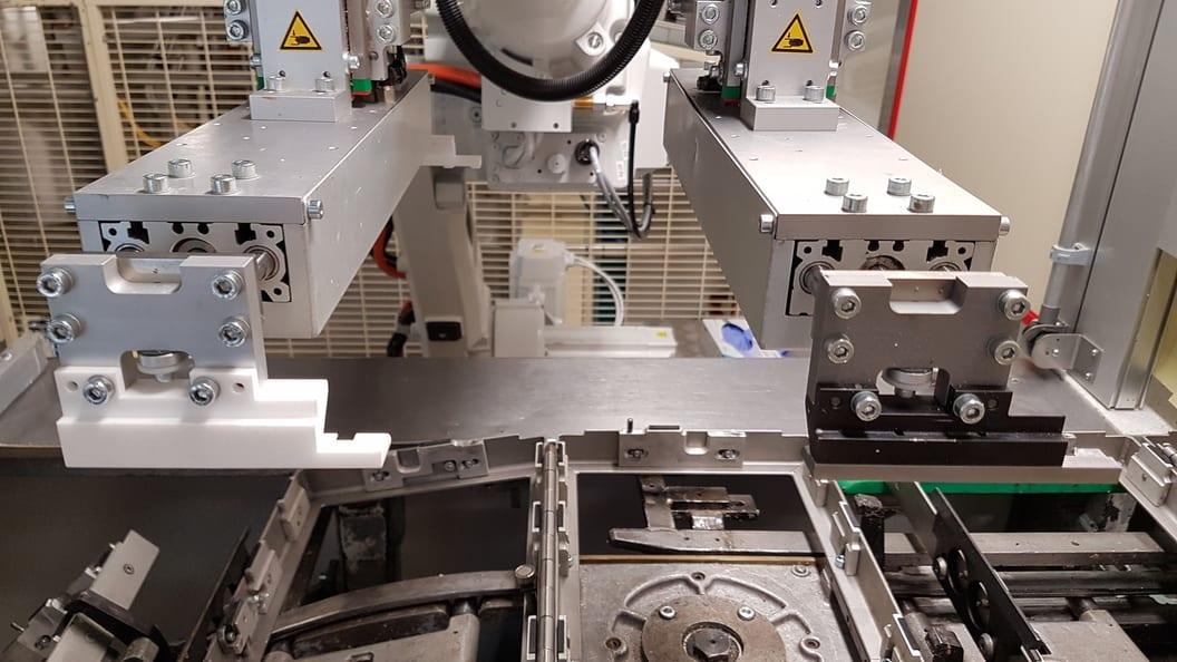 Roboter mit im SLS Verfahren hergestellten Greifern