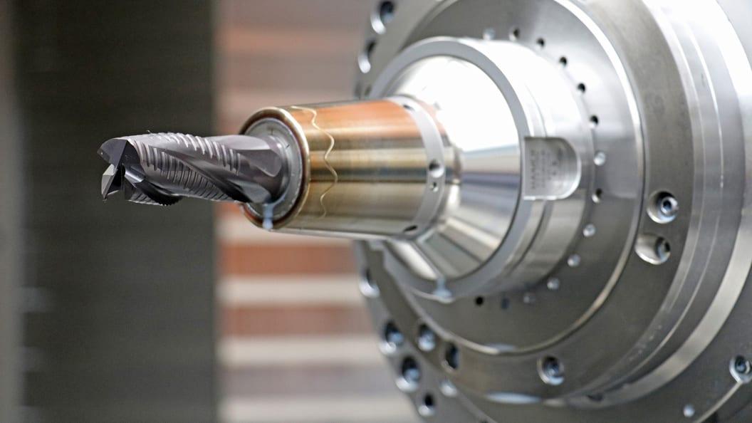 KSS optimal an die Werkzeugschneiden geführt. Längere Werkzeugstandzeiten und bessere Oberflächen.
