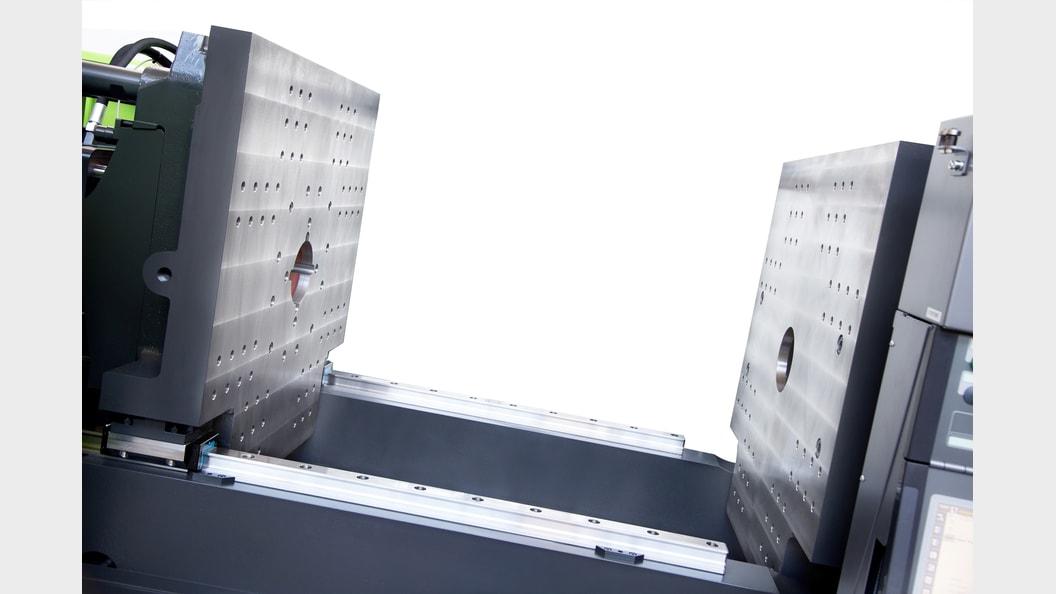 Die Holmlos-Technologie sorgt für barrierefreien Werkzeugbereich und hervorragenden Werkzeugschutz.
