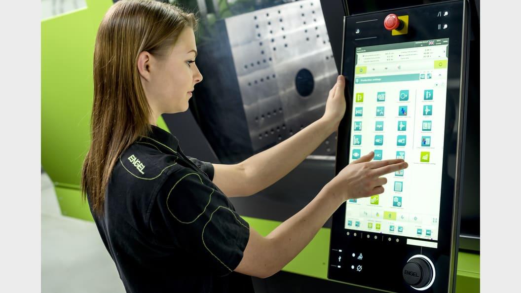 Die Maschinen sind mit einer CC300 Steuerung ausgestattet.