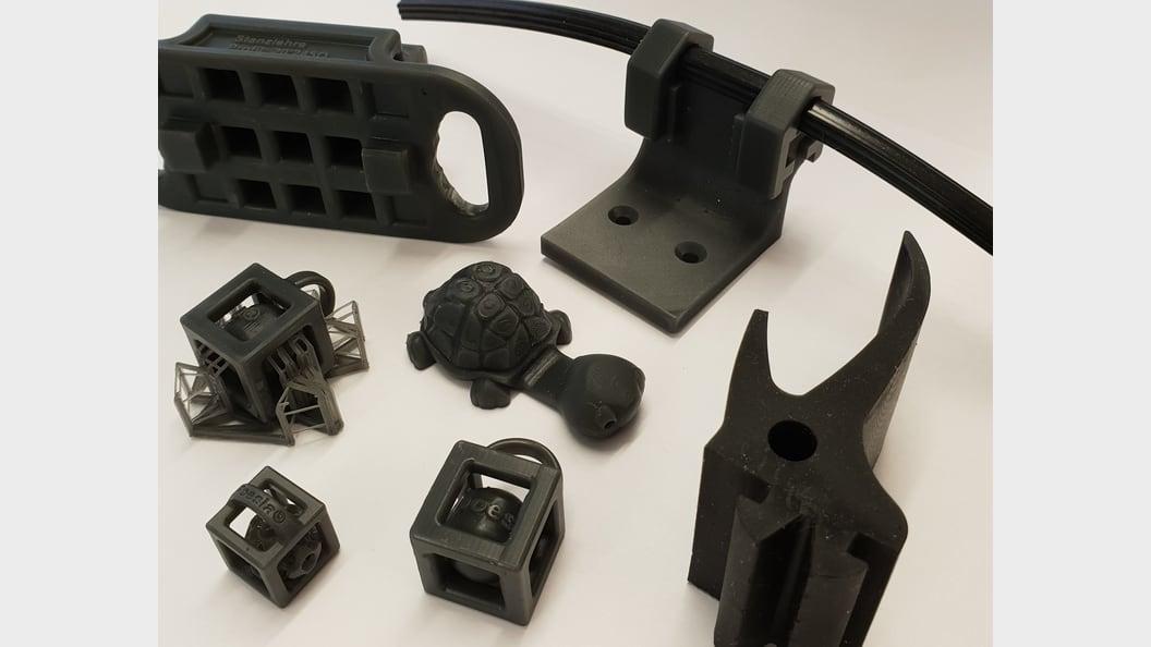 Prototypen, die aufgrund der erarbeiteten CAD-Pläne mittels 3D-Drucker hergestellt werden.