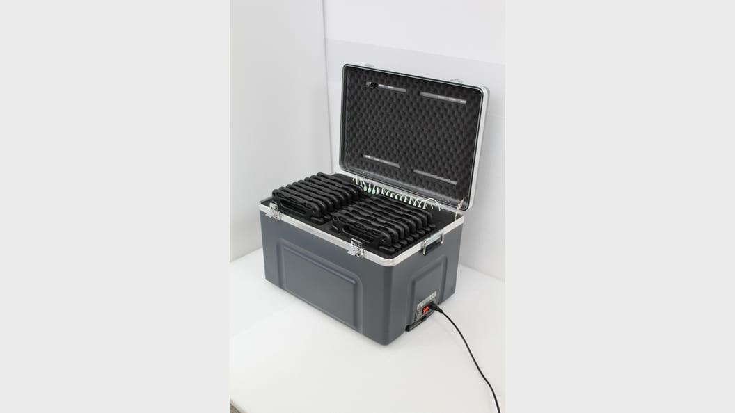 Kabeloses Laden und Synchronisieren von Tablets / Ipads