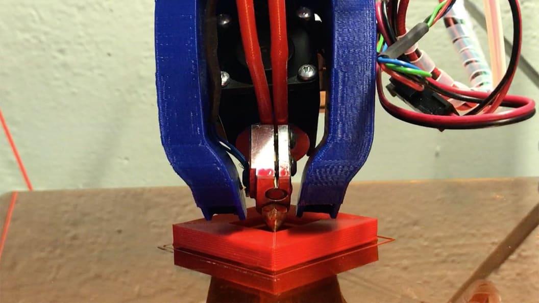 RotBot beim Drucken eines 90°-Überhangs nach innen