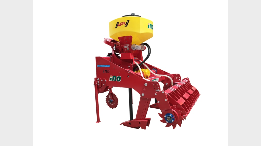 The VVP 115 vibrational subsoiler with APV container and packer roller.