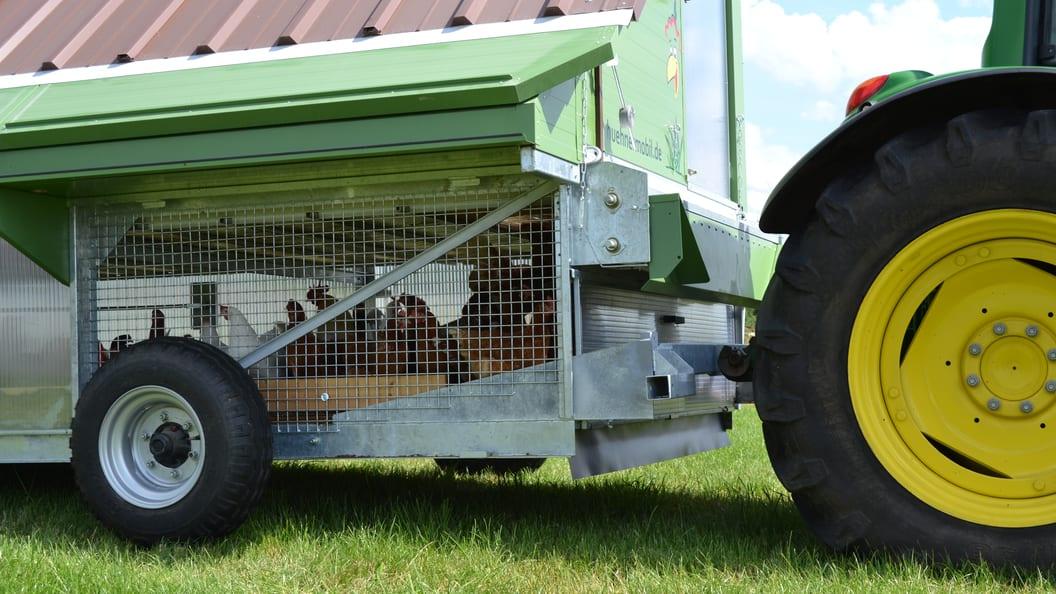 Versetzen mit allem an Bord - auch den Hühnern