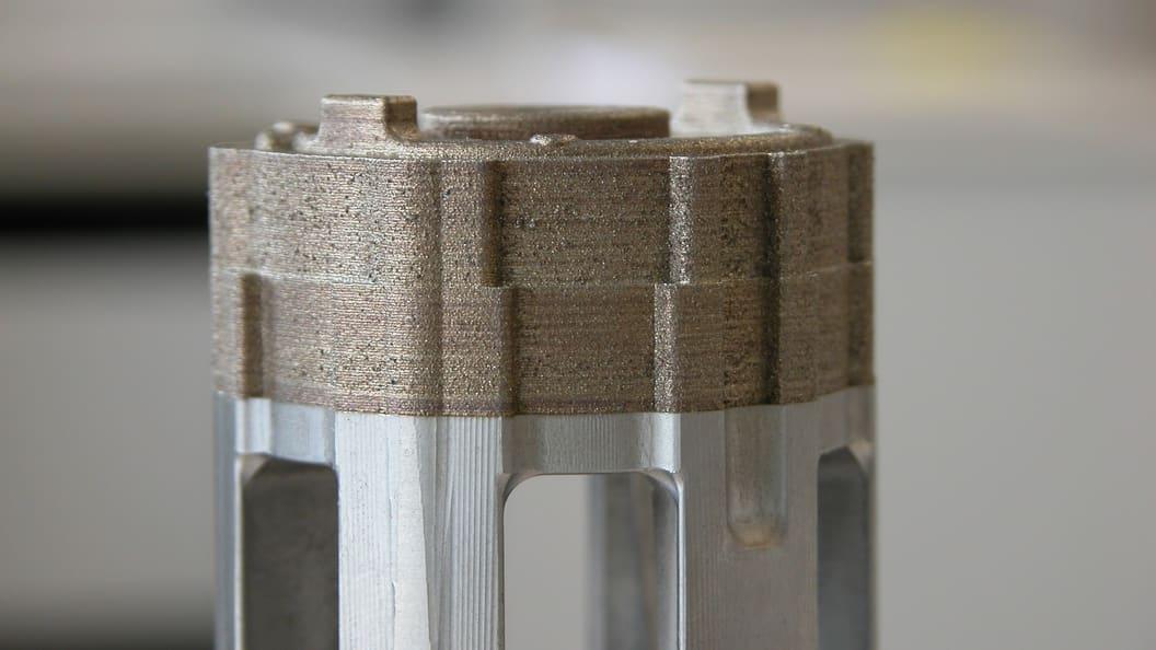 Konturnahe Kühlung Hybrid mit Aufmass auf Rohling gebaut