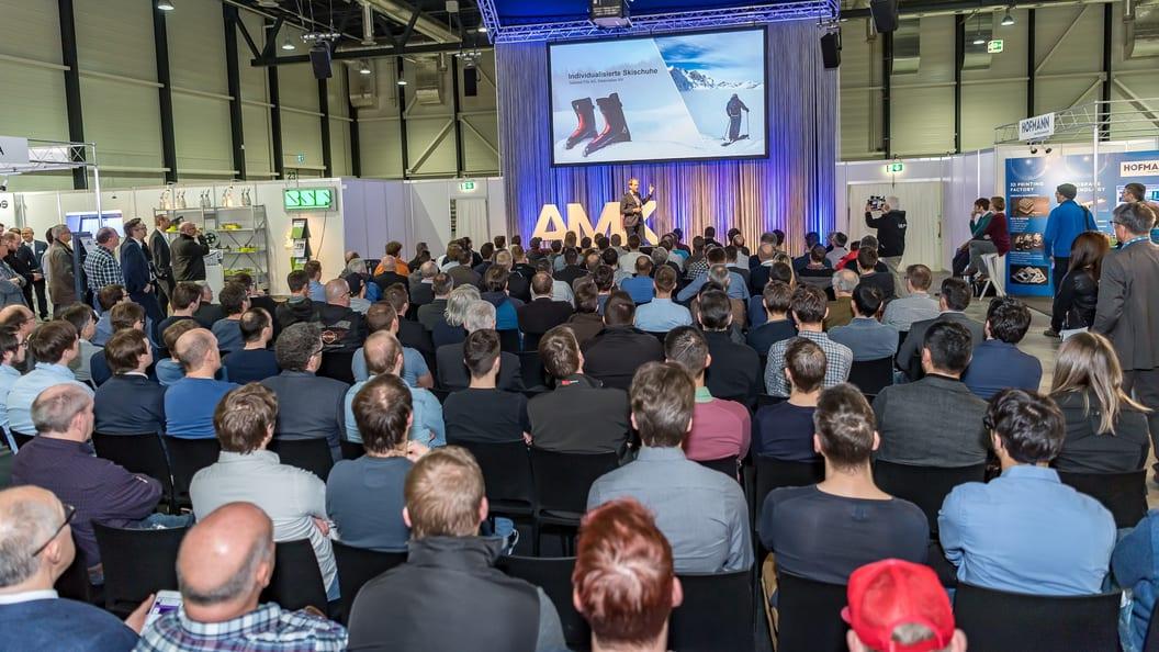 Im Innovation Symposium sprechen renommierte Referenten über Wissenschaft, Technik und Praxis.