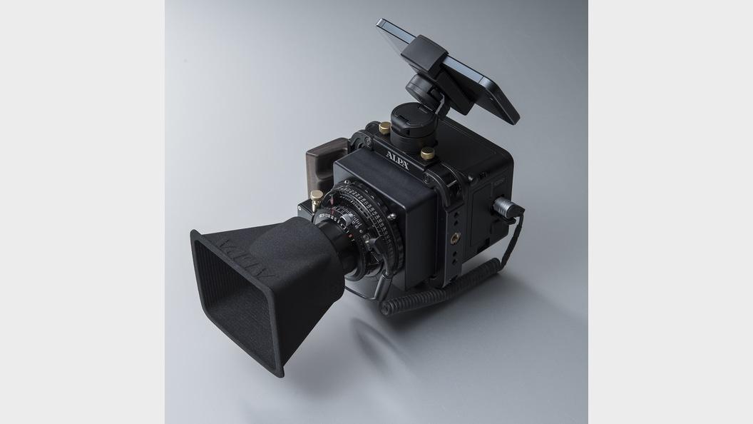 Individuell angepasste Streulichtblenden für High-End-Kameras ©ALPA Capaul & Weber AG