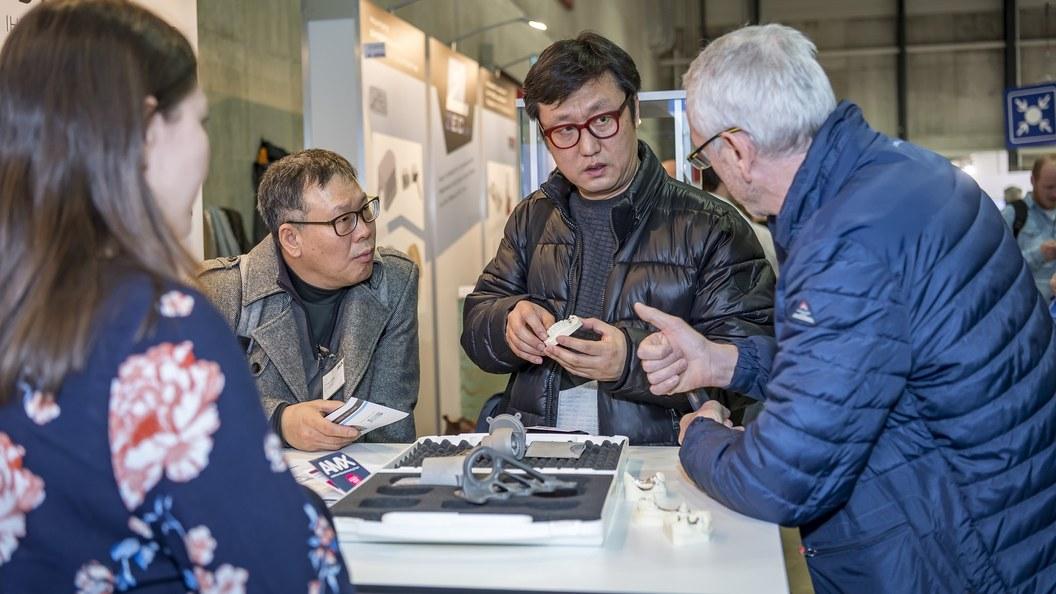 ... und hochwertige Fachgespräche machten die AM Expo 18 für Besucher und Aussteller zum Erfolg.