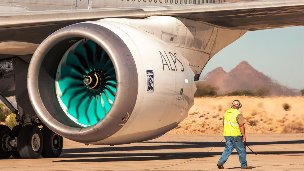 Testtriebwerk beim Erstflug am 14.10.2014 in Tucson, USA