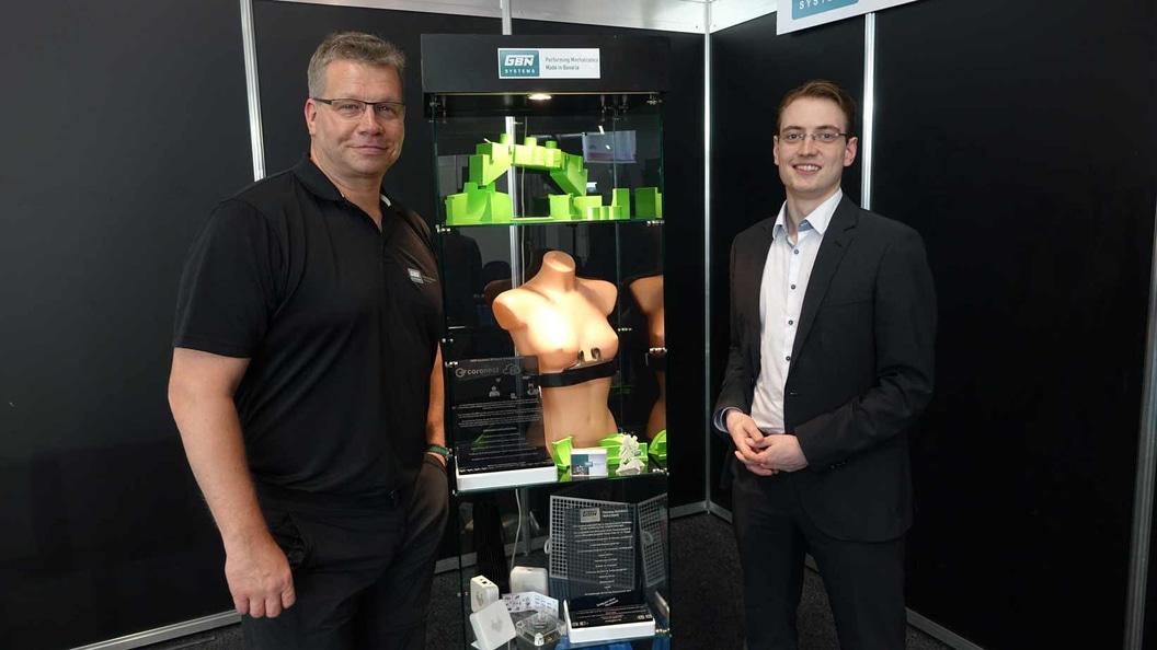 GBN Systems (Harry Flint) und coronect (Norman Krüger) zeigen die Premiere des coronect Brustgurtes