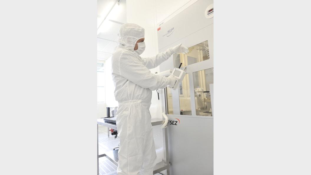 Reinraumbegehungen und Monitorings für die Zustandsanalyse von Reinheit, Hygiene und Compliance.