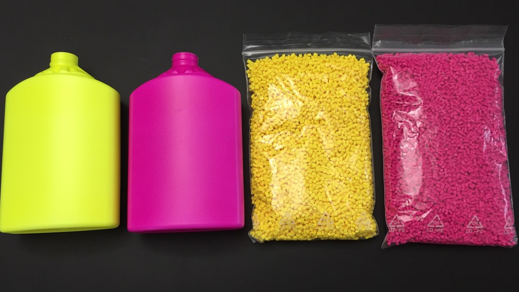 Fluoreszierende Kunststoffflaschen mit verwendetem Fluoreszenzmasterbatch
