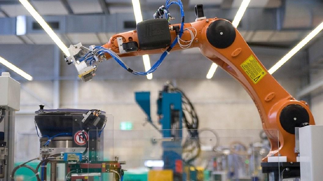 Alle Maschinen kommunizieren miteinander und sind synchronisiert.