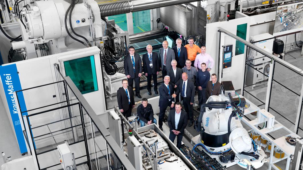 Die Teams von GF Piping Systems und KraussMaffei arbeiteten vonBeginn an Hand in Hand.