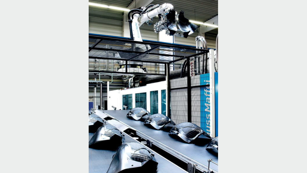 First-class components for vehicle manufacturing: NIFCO KTW relies on the APC machine function.