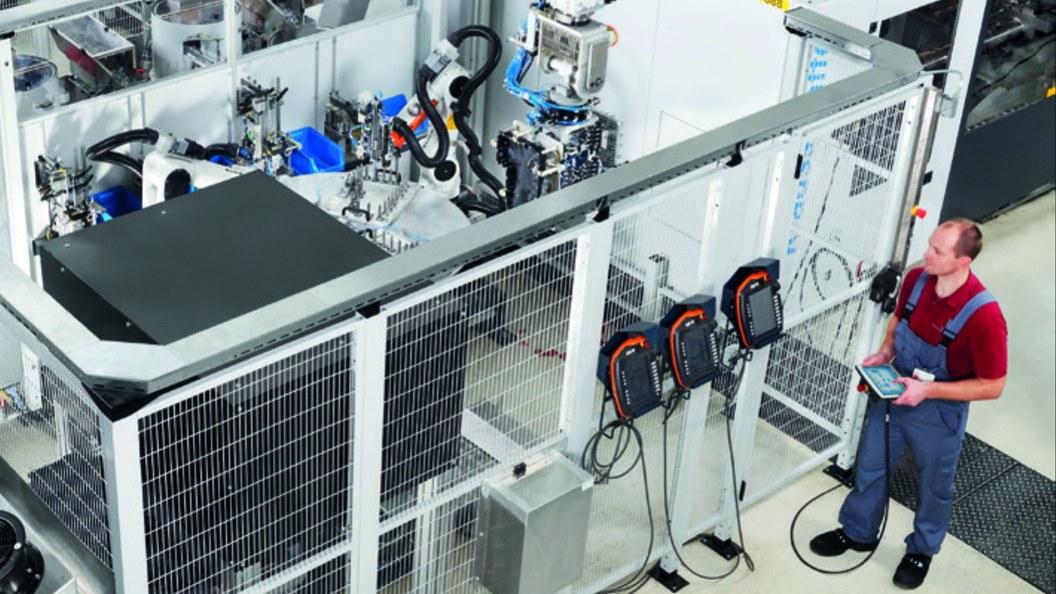 Die komplexe Anlage samt Automation lässt sich zentral über die MC6-Steuerung bedienen.