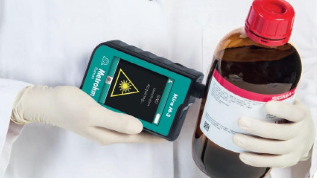 Mira M-3 für die Identifikation von Lösungsmitteln und Grundchemikalien