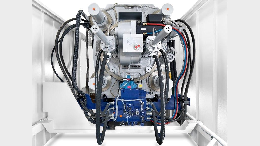 Patentiertes Antriebskonzept für die Kniehebel-Betätigung mit Rekuperation kinetischer Energie
