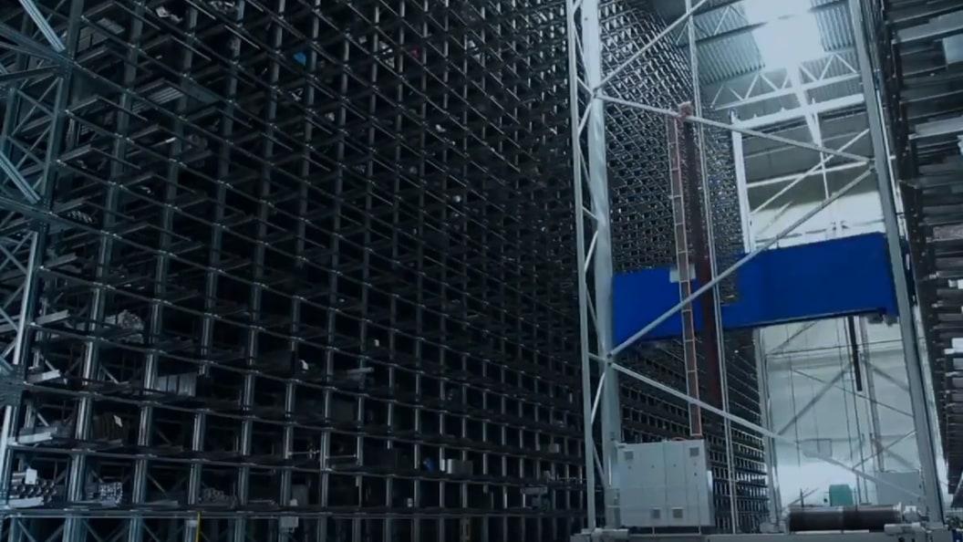 Das vollautomatisierte Hochregellager  ermöglicht höchste Effizienz im Lieferungsprozess