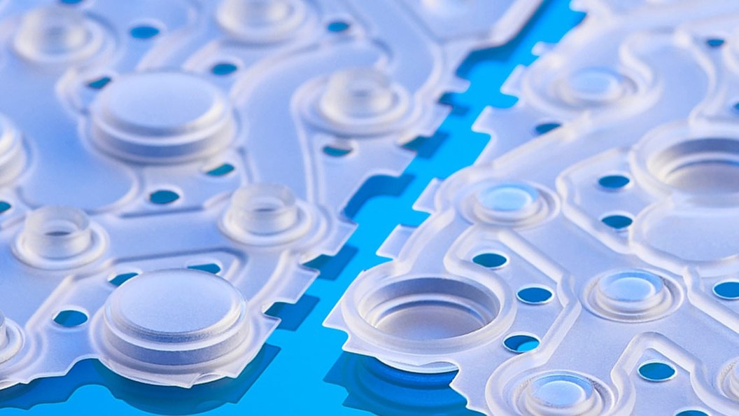 The complex control and sealing membrane is manufactured by injection molding.