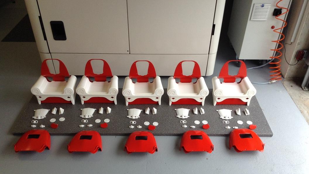 Kleinserie von NAO-Sitzen