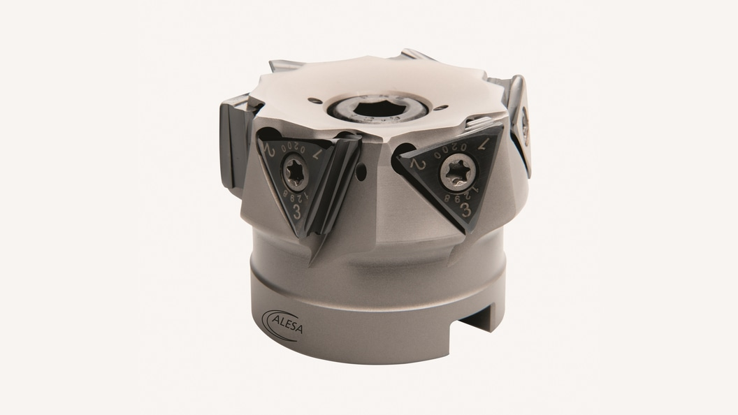The new Delta indexable inserts, mounted on the milling cutter.
