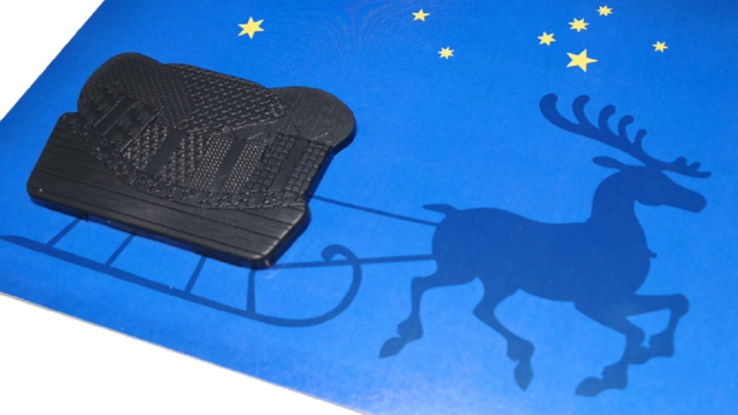 Bild 4: Lasertexturierungen auf einem Musterteil aus Kunststoff