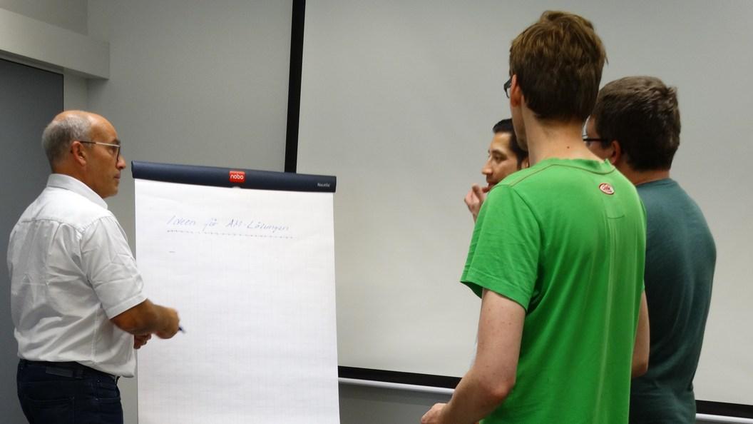 Die Teilnehmer generieren Ideen für AM-Anwendungen im eigenen Arbeitsbereich.