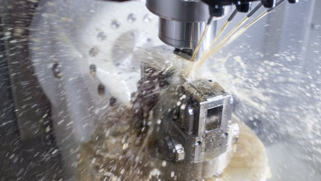 IWC carries out all the necessary operations, milling, drilling, thread cutting one clamping positio