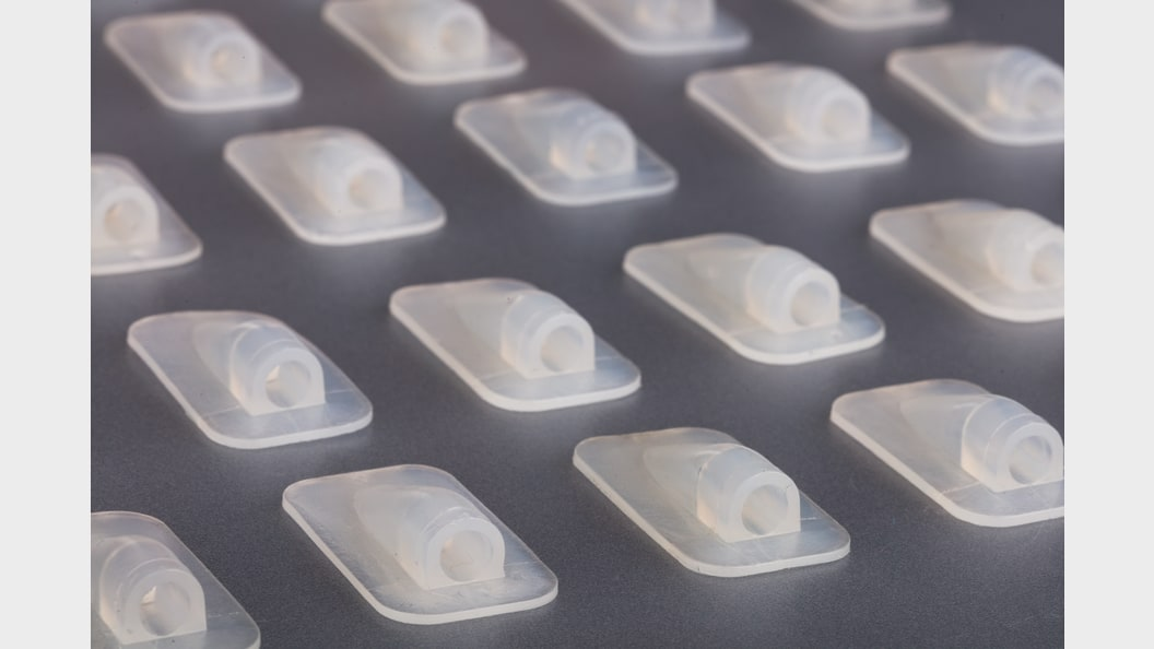 200 pieces small-batch run from additive manufactured injection molding tool