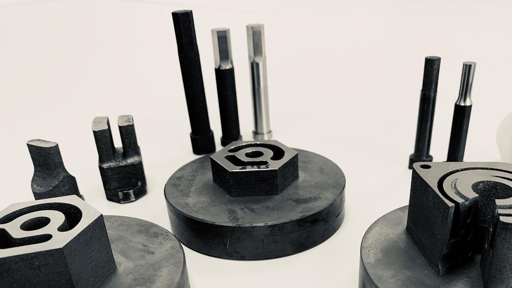 Auswahl an Werkzeugstempel und Matrizen