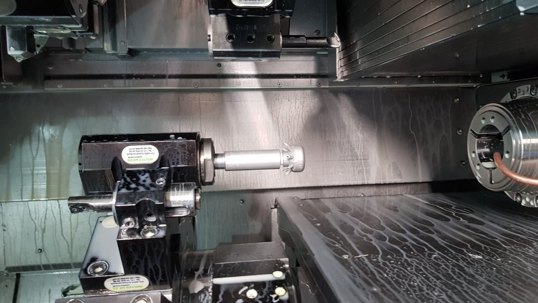 Collet cleaner clamped in CNC machine