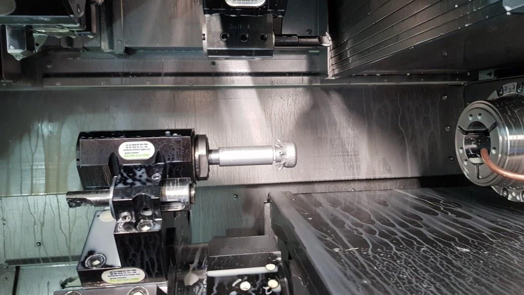 Spannzangenreiniger in CNC Maschine eingespannt