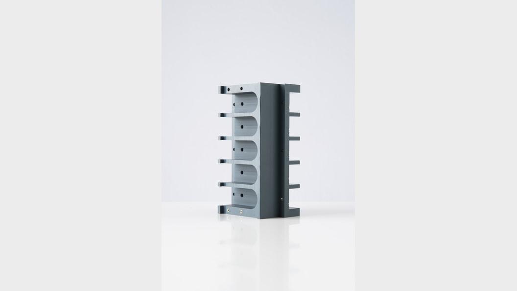 Dreh- und Frästeile aus technischen Kunststoffen.