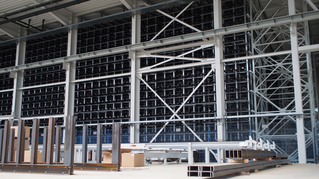 The newly installed KASTO UNICOMPACT honeycomb storage system holds over 10,000 cassettes.