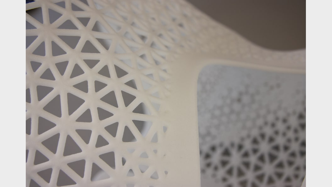 Meshstrukturen des Korsetts hergestellt in Selective Laser Sintering